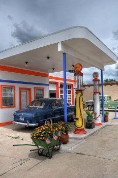 Retro 5 -  Gas Station  (77 pieces)