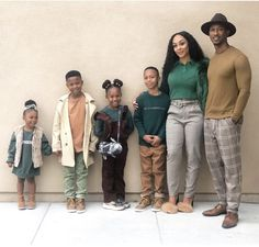 Family Christmas Outfits, Family Picture Outfits, Matching Family Outfits, Family Photos, Cute Family, Fall Family, Family Goals, Beautiful Family, Black Love