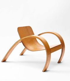 """design-is-fine: """"Steven Kalmar, chair, Plywood. National Gallery of Victoria, Melbourne. Plywood Chair, Plywood Furniture, Cool Furniture, Modern Furniture, Furniture Styles, Furniture Design, Bend Chair, Wood Toys Plans, World Decor"""
