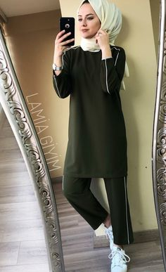 Tried this Pin? Hijab Style Dress, Modest Fashion Hijab, Pakistani Fashion Casual, Casual Hijab Outfit, Pakistani Dress Design, Muslim Fashion, Fashion Outfits, Hijab Fashionista, Modest Wear