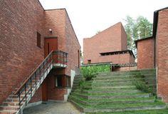 <em>Saynatsalo Town Hall, Finland. Alvar Aalto Architect 1952</em>