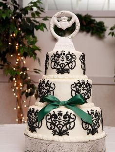 Black/White Wedding Cake With A Touch Of Ireland....This Cake Is Beautiful!!!!!!