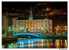 Ayuntamiento desde el puente del Arenal