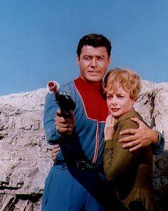John (Guy Williams) & Maureen Robinson (June Lockhart) - Lost in Space Fiction Movies, Sci Fi Movies, Science Fiction, Space Tv Series, Space Tv Shows, Classic Tv, Classic Movies, Danger Will Robinson, Space Hero