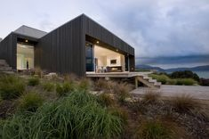 Ngaio Project by Co Lab - Holiday house with typical New Zealand camping ground notion
