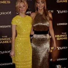 Elizabeth Banks dress is to die for. WOW!!!