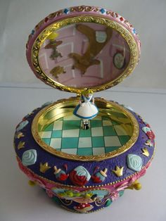 Disney's ALICE IN WONDERLAND 50th Year MUSIC BOX Jewelry Trinket Box ~ BEAUTIFUL