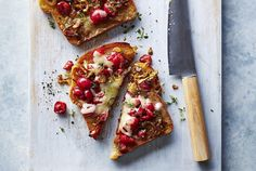 Caramelized Onion and Sour Cherry TartineDid you think cherries were only for sweet treats? Cherries take the savory route in this tasty tartine. The tartness of the cherries helps to cut through the … Tartine Recipe, Best Sandwich Recipes, Lunch Recipes, Picnic Menu, Carrot Slaw, Creamy Potato Salad, Homemade Tortilla Chips, Cherry Recipes, Cherry Ideas