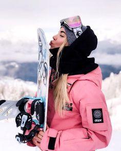 Snowboarding Girl Style Skateboarding – Famous Last Words Snowboard Girls, Ski And Snowboard, Ski Ski, Apres Ski Outfit, Ski Fashion, Winter Fashion, Mode Au Ski, Snowboarding Outfit, Snowboarding Women