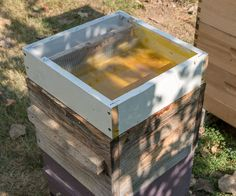 No Drowning, Hive-Top Feeder