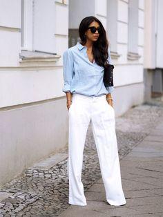 Quem pensa que a calça pantalona foi feita apenas para o ambiente de trabalho está enganado. Ela é versátil e pode ser até usada em uma festa. Tudo depende com quais peças é combinada.