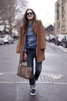 love me a camel coat and some supergas