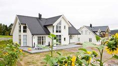 Se på bilder av våre tidligere boligprosjekter. Her finnes både standardmodeller, kundetilpassede hus og hus som er skreddersydd etter kundens ønsker.