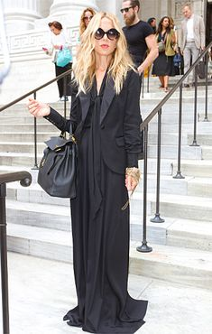I love Rachel Zoe's style, and I love the maxi dress and blazer combo. So beautiful!