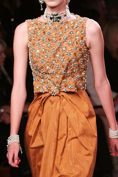 Christian Dior. I'm totally in love! This is a close-up of amazing evening wear from Dior Resort.