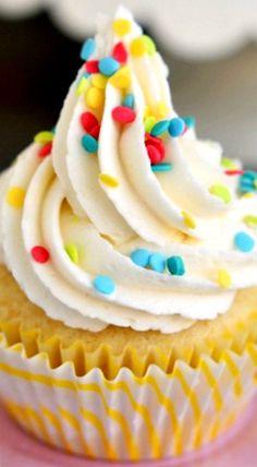 French Vanilla Cheesecake Cupcakes