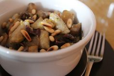 Gnocchetti di topinambur con olive taggiasche, limone e pinoli