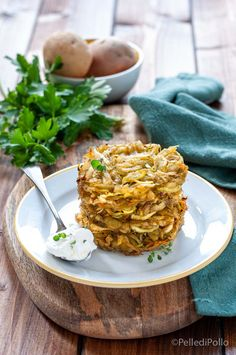 Gustosi #rosti di #patate e porri cotti al forno #senzafrittura semplicissimi da realizzare #ricetta #contorni #vegetarian