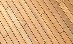 How to Stagger Deck Boards Deck Design, Floor Design, Deck Lumber, Deck Patterns, Balustrade Design, Deck Flooring, Deck Pictures, New Paint Colors, Porch Addition
