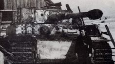 Tiger I and crew