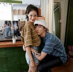 I came to share with you some pictures of Asian couples ~ Anne - - Korean Couple, Korean Girl, Asian Girl, Mode Ulzzang, Ulzzang Girl, Matching Couple Outfits, Matching Couples, Cute Relationship Goals, Cute Relationships