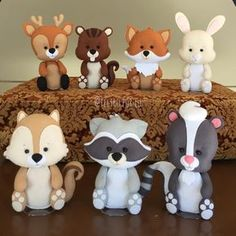 Cute Woodland Animals to display on food table then the mom-to-be can put in nursery.Image may contain: 1 person Fondant Cake Toppers, Cupcake Toppers, Fondant Cupcakes, Polymer Clay Projects, Polymer Clay Creations, Woodland Cake, Fondant Animals, Fondant Decorations, Polymer Clay Animals