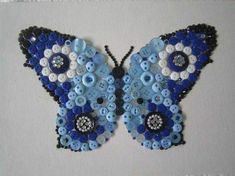 Creative Tips Can Change Your Life: Small Hand Bags Gold hand bags travel purses. Button Art, Button Crafts, Old Jewelry, Jewelry Crafts, Craft Items, Craft Gifts, Butterfly Crafts, Christmas Bags, Bead Art