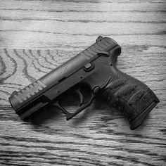 The Best Concealed Carry Guns For Women - Allgunslovers Weapons Guns, Guns And Ammo, Mafia, Concealed Carry Women, Custom Glock, Cool Guns, Revolver, Shotgun, Firearms