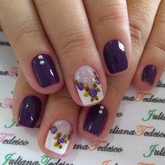 56 Ideias Unhas Decoradas com Flores Vintage Nail Polish Designs, Acrylic Nail Designs, Nail Art Designs, Acrylic Nails, Manicure Set, Pedicure, Flower Nail Art, Little Designs, Nail Art Hacks