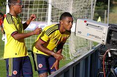 En el estadio de La Licorne en Amiens, la Selección Colombia cerró con empate 2-2 ante la local Francia su preparación internacional de cara a la Copa Mundial Sub-20 de la FIFA Turquía 2013 que iniciará el próximo viernes 21 de junio.