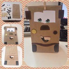 Fácil, económica e ingeniosa idea de hacer bolsitas de dulces para tu fiesta de Tow Mater