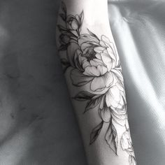 Forearm name tattoos with flowers. Peony Flower Tattoos, Flower Tattoo Arm, Flower Tattoo Shoulder, Peonies Tattoo, Flower Tattoo Designs, Rose Tattoos, Body Art Tattoos, New Tattoos, Sleeve Tattoos
