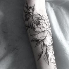 #тату #татуцветы #татуировка #tattoo #tatrussia #tattoo2me #tattooart #tattoopins #tattoogirls #tattooartist #tattoomoscow #tattooinrussia #graphictattoo #girlswithtattoos #wowtattoo #womantattoo #peonytattoo #birdtattoo #ink #flowers #flowertattoo #tattsketches #tattoodesign #russiantattooers #blacktattoo #blxckink #moscowtattoo #Equilattera #tattooselection #inkspiretattoos