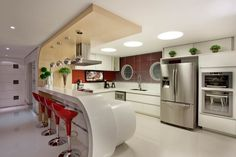 Retrofit Casa Swiss Park Campinas: Cozinhas modernas por Designer de Interiores e Paisagista Iara Kílaris