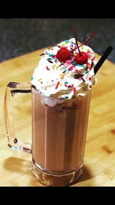 Chocolate Milkshake, Chocolate Ice Cream, Pan Rack, Eat Dessert First, Top Recipes, Summer Desserts, Icecream, Catering, Sweet Tooth