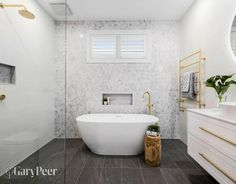 22 Cute Shower Curtains for the Bathroom Bathroom Red, Family Bathroom, Bathroom Storage, Master Bathroom, Bathroom Ideas, Narrow Bathroom, Guys Bathroom, Bathroom Carpet, Bathroom Showers