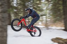 Taken a look at Spring Savings yet? You might have noticed several Fatboys have had their prices go on a diet offering guaranteed fun whether you're riding over fresh snow loose sand or just regular old singletrack. In the USA Visit your local Specialized retailer for a test ride and save up to 20% on select models. by iamspecialized