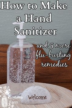 Learn how to make hand sanitizer using gentle natural ingredients and prevent colds and flu this winter. Learn how to make hand sanitizer using gentle natural ingredients and prevent colds and flu this winter. Solution Hydro-alcoolique, Silvester Make Up, Natural Hand Sanitizer, Home Made Hand Sanitizer, Alcohol Free Hand Sanitizer, Scented Hand Sanitizer, Disinfectant Spray, Influenza, Natural Cleaning Products