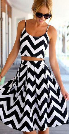 Chevron Pattern Crop Top High Waist Pleated Skirt