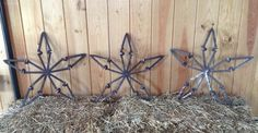 5-point stars made from railroad spikes. Customizable. Check out American Outlaw Welding & Custom Fabrication on Facebook. Welding Crafts, Welding Art, Welding Projects, Welding Ideas, Railroad Spikes Crafts, Railroad Spike Art, Railroad Ties, Horseshoe Crafts, Horseshoe Art