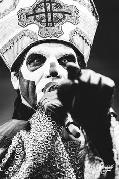 I'm an unholy ghuleh and this is a fanpage dedicated to the band Ghost! Ghost Papa, Ghost Bc, Band Ghost, Creepy Monster, Ghost And Ghouls, Satanic Art, Best Rock, Ghost Stories, Heavy Metal