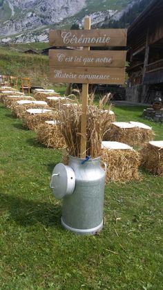 Décoration de mariage champêtre en DIY  http://une-belle-ceremonie.fr/2016/09/un-mariage-en-montagne-le-decor-parfait-pour-un-diy/