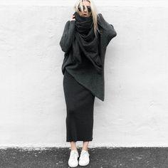 Imagen de classy, minimal, and model Modest Fashion, Hijab Fashion, Fashion Outfits, Womens Fashion, Street Looks, Street Style, Pinterest Fashion, Colourful Outfits, Winter Fashion