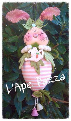 """Cartamodelli primavera 2015 : Cartamodello coniglio """"Baffillo"""" sull'uovo di Pasqua"""