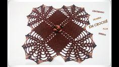 Centrinho de mesa em crochê Flor Serena