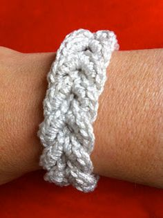 Crocheted bracelet (pattern from mss Weaver)  http://tamis-little-crochet-house.blogspot.com