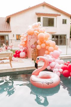 14 Birthday Party Ideas, 18th Birthday Gifts For Girls, Pool Party Themes, Luau Birthday, Balloon Decorations Party, Birthday Parties, Summer Party Themes, Pink Parties, Flamingo Pool