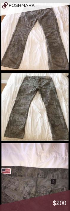 Mens true religion camo jeans size 38 Mens true religion camo jeans size 38. Grey wash type desert style camo. Light and dark grey color pattern camo. Very great looking jeans in pristine condition !!! 9/10 worn maybe ONE TIME !!? I have so many jeans I have only worn once or twice and need closet space that's why I am selling for such a great price! All my items are 1000% authentic and can be checked out at any true religion store near you or double money back guarantee !! True Religion…