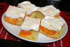 prajitura cu piersici si bezea Cornbread, Feta, Cheesecake, Dairy, Cooking, Sweet, Ethnic Recipes, Desserts, Label