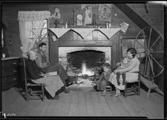 Another view of the interior of the home of Mrs. Jacob Stooksbury, Loyston, Tennessee, November 1933. The U.S. National Archives via Flickr.